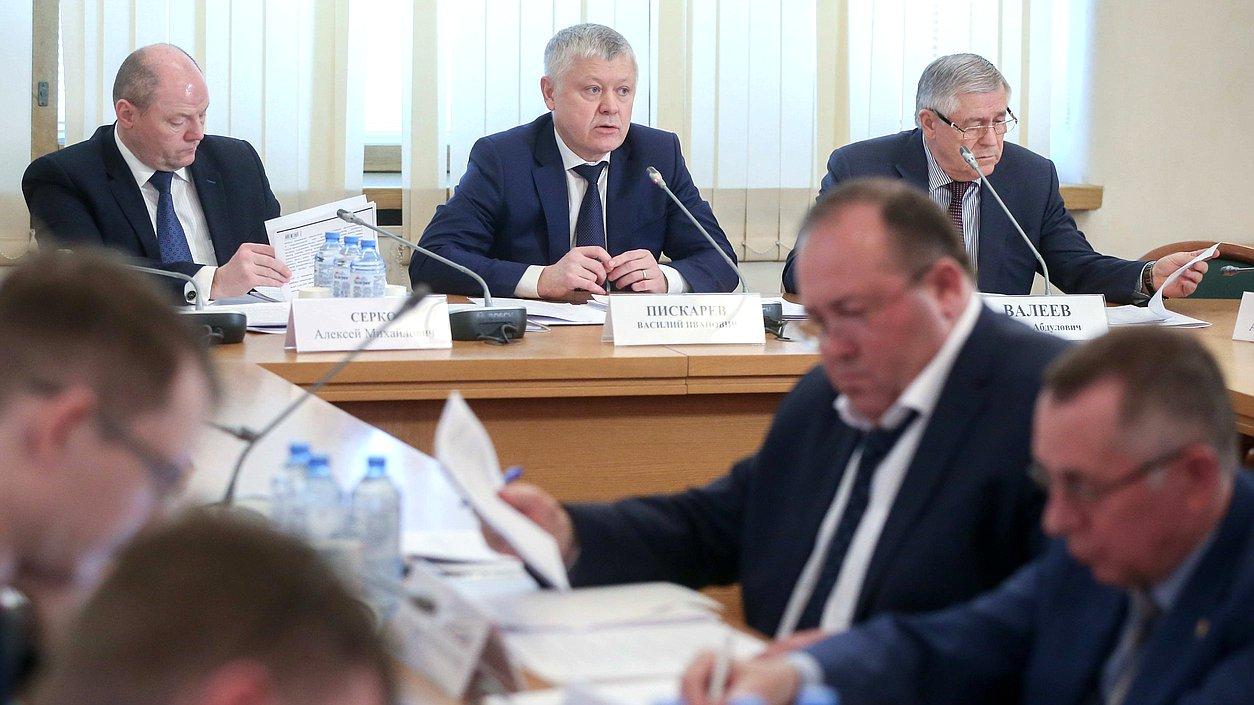 В Думе обсудили поправки к законопроекту о пожарной безопасности в ТЦ