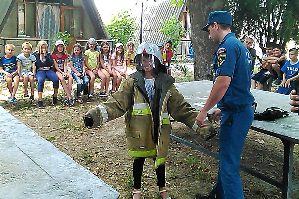 МЧС разработает нормативы по безопасности палаточных лагерей